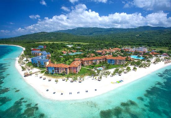 White House, Jamajka: Sandals Whitehouse European Village and Spa