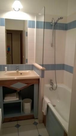 Pierre & Vacances Residence La Résidence du Golf : salle de bain 1