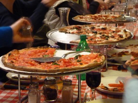 grimaldi s pizzeria picture of grimaldi s pizzeria brooklyn rh tripadvisor ie