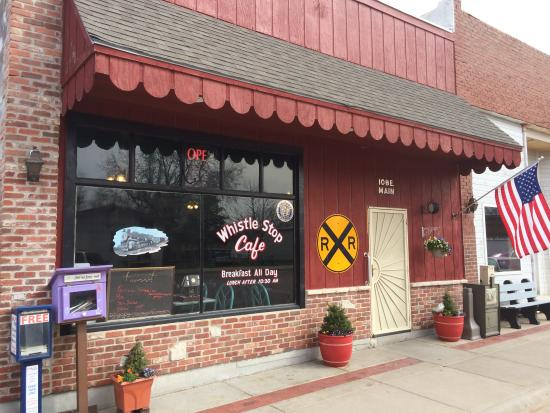 Mayetta, KS: For a full meal or just a WhistleStop!