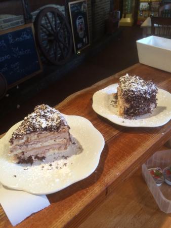 Aux Merveilleux de Fred: ces gâteaux sont également servis a l'hélios estaminet du mt noir