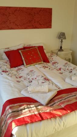 camera da letto molto carina e ben arredata - Picture of Guesthouse ...