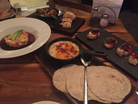 Off The Vine : Yum! Marinated tuna tartar, garlic mushrooms, baked cheese and chistorra, flank steak bites
