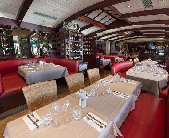 Restaurant A Cancale La Mere Champlain