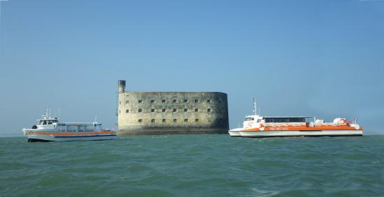 Port des barques fotos besondere port des barques - Hotel port des barques charente maritime ...