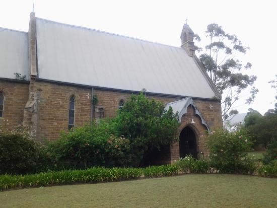 Riversdale, แอฟริกาใต้: View of church from Heidelberg Road