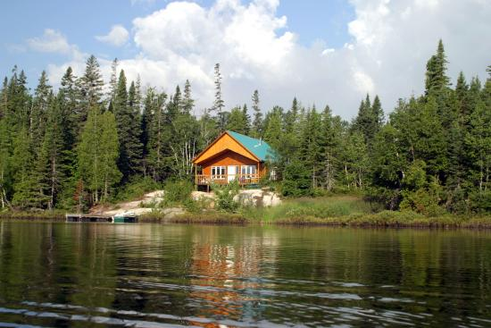 Lacs a Jimmy Outfitter and Cottages: Chalet de la pourvoirie des Lacs à Jimmy Essipit
