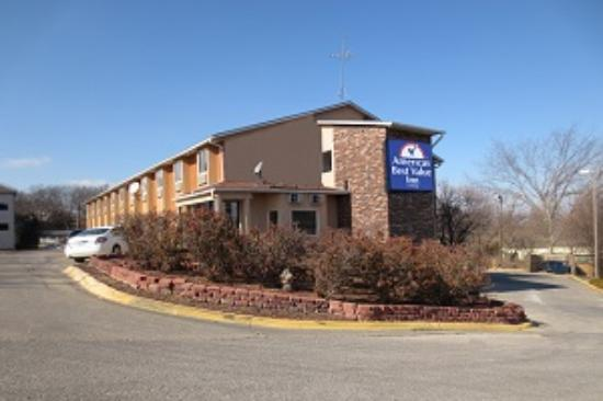 Welcome to Americas Best Value Inn Lawrence