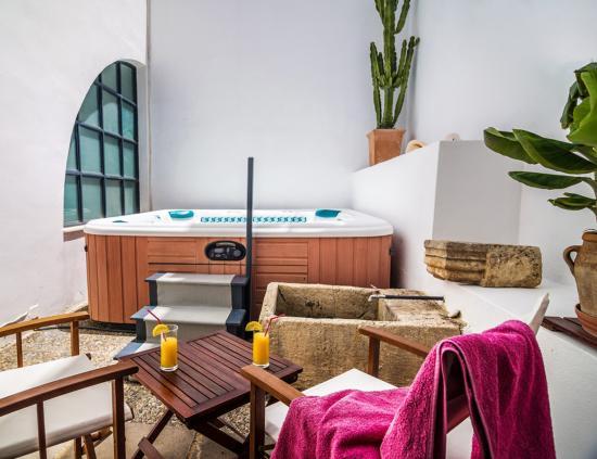 Villa Maroulas Annonce du Propriétaire : Jacuzzi (hot spring spass model grandee)