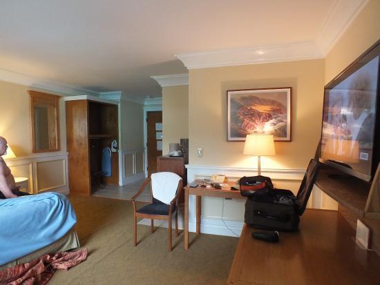 Seal Rock Inn: classy, roomy