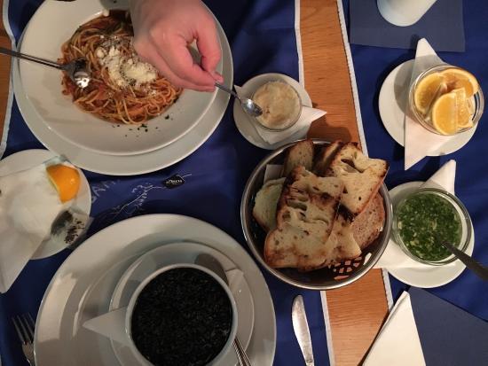 Tri Ribara Restaurant: Хорошая еда, приятная обстановка, отличное обслуживание