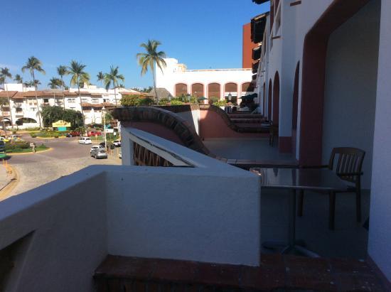 Villas Vallarta by Canto del Sol: Looking towards pool from balcony