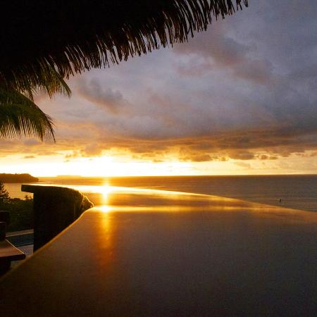 Tranquilo Lodge: Sunset at the palapa