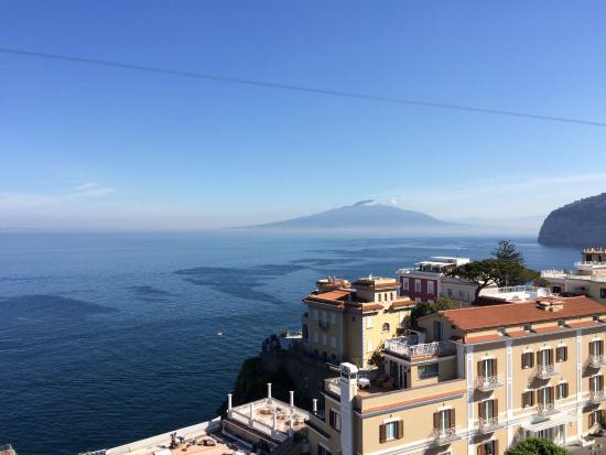 Sant'Agnello, Italien: View from breakfast balcony