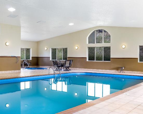 Comfort Inn & Suites Custer: Indoor Pool