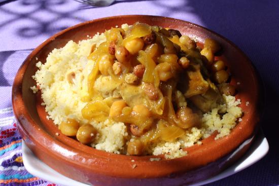 Cous Cous De Pollo Con Cebolla Caramelizada Y Pasas Picture Of Aladdin Restaurant Chefchaouen Tripadvisor