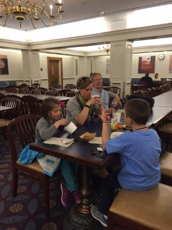 The Supreme Court Cafeteria Washington DC National Mall - Training table restaurant closing