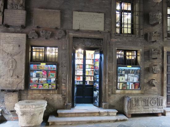 Libreria Athena Di Montesello Anna