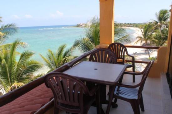 La Bahia: balcony