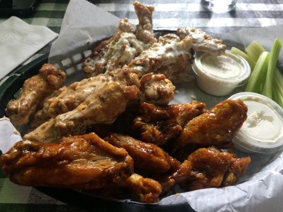 Annville, Pensylwania: Wings!!!