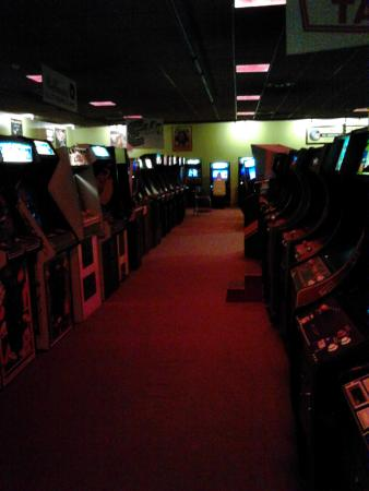 Weirs Beach, NH: American Classic Arcade Museum at Funspot in Laconia, NH