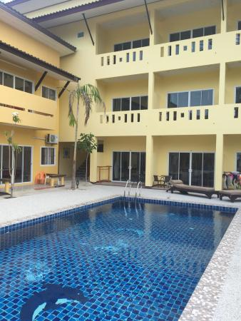 Summer House Resort 2
