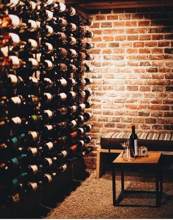 El Wine Bar y Cafe