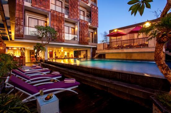 Hotel Horison Seminyak: Swimming Pool