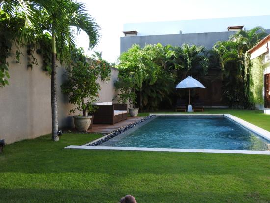 Villa chocolat: Beautiful clean large pool!