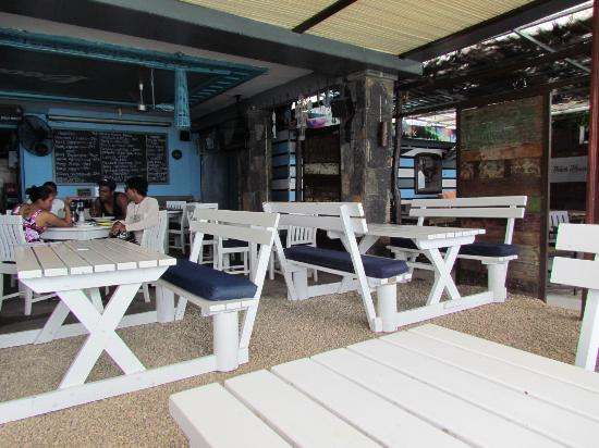 clean and spacious seeting picture of the beach house restaurant rh tripadvisor com