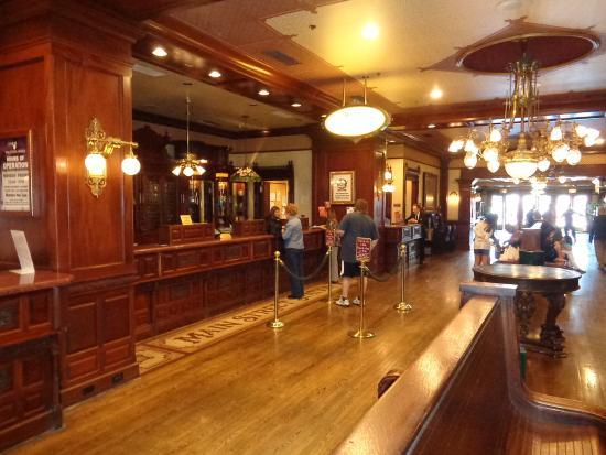 Main Street Station Hotel & Casino: Front desk