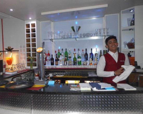 Red Chilli Indian Restaurant of Ashbourne: The Bar