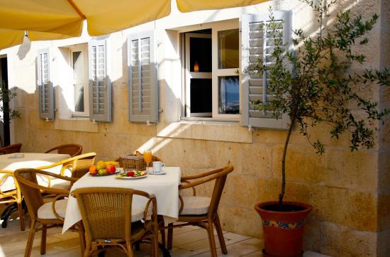 Hotel Croatia: Terrace