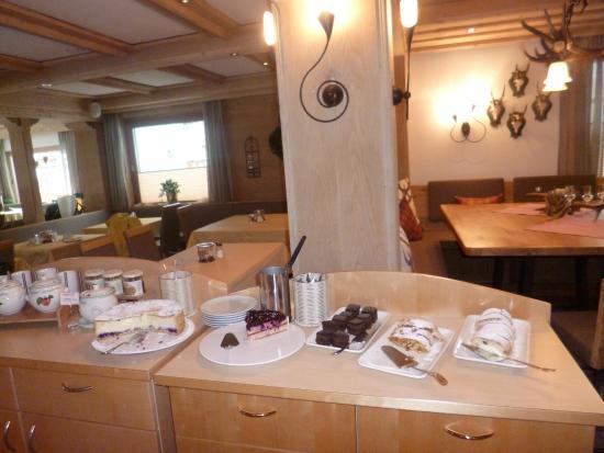 Hotel Christina: Süßspeisen am Nachmittag