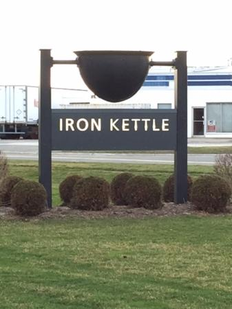 Iron Kettle B&B: Easy to Find! - The Iron Kettle
