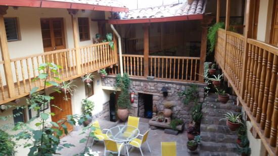 Apu Huascaran Hostal - Cusco: Trevlig innergård
