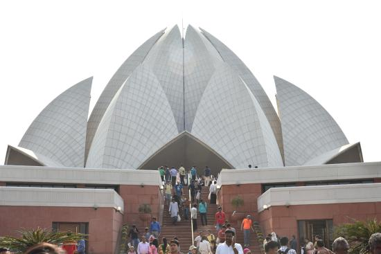 Lotus temple picture of bahai lotus temple new delhi for The lotus temple