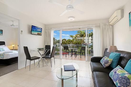 Beachside Mooloolaba Sunshine Coast: Living Room