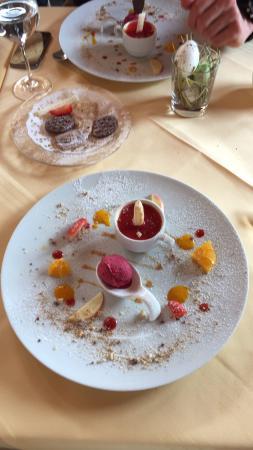 Hotel Alpenhof: Das erste mal hier das essen und Service bedarf kein Kommentar vorbeikommen und geniessen