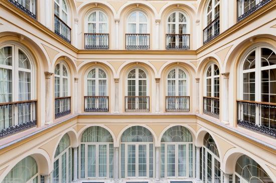 Petit Palace Plaza Malaga: backyard