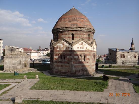 Erzurum Province, Turquía: Üç Kümbetler-Erzurum