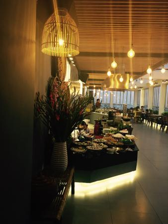 Aquila Skynight Restaurant
