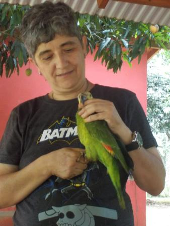 Casa Yaguarete: Lorena and her parrot Lucas