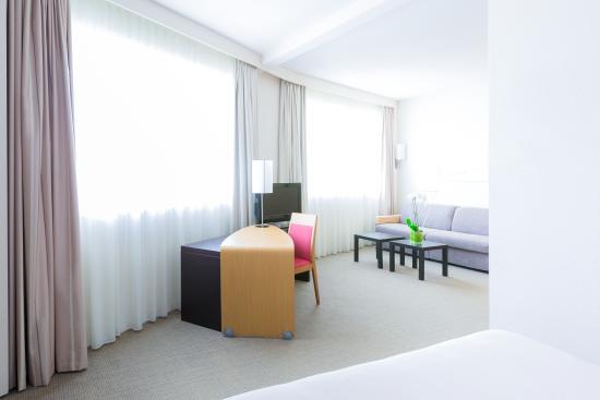 novotel poitiers site du futuroscope hotel chasseneuil du poitou france voir les tarifs et. Black Bedroom Furniture Sets. Home Design Ideas