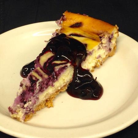Zumbrota, MN: Homemade blueberry cheesecake!