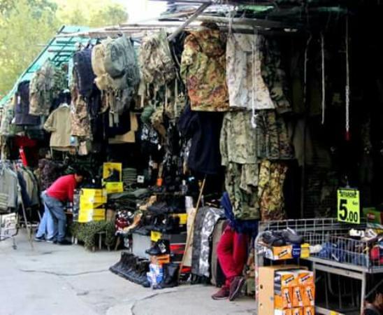 Un buon motivo per visitare questo mercato picture of - Porta portese lavoro pulizie ...