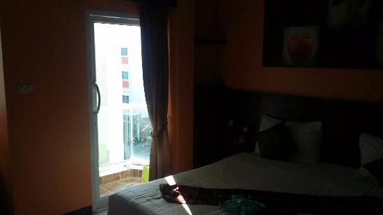 Green Harbor Patong Hotel Photo