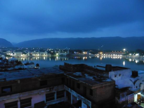 Out Of The Blue: rooftop, photo of the lake after sunset
