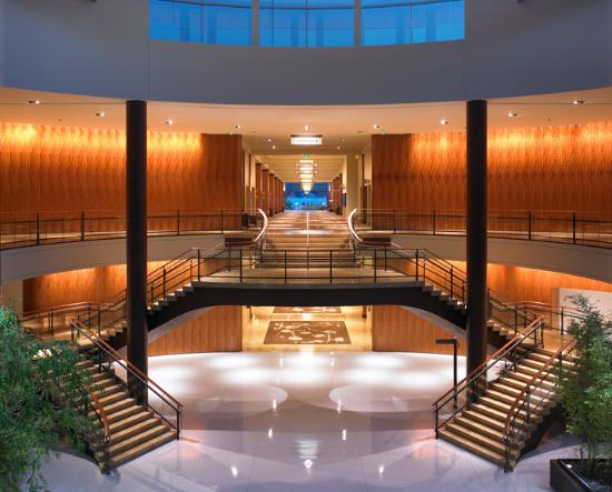 Hyatt Regency Bellevue: Grand Staircase