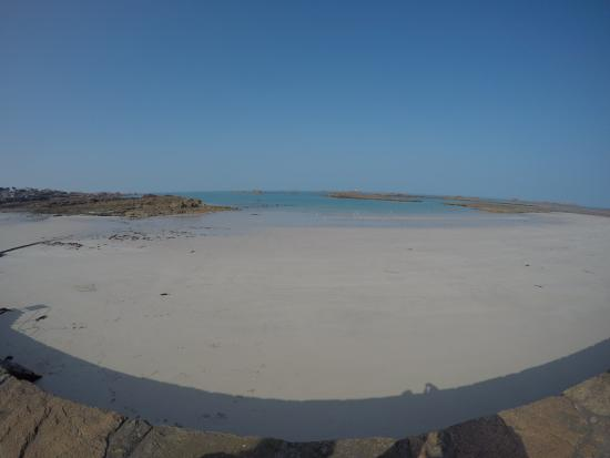 Cobo Bay: low tide